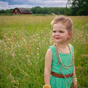 Field of Beauty by Vanessa Meyers - Babies & Children Child Portraits ( child, field, barn, dress up, portrait,  )