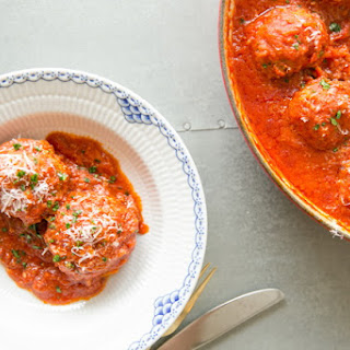 Russian Meatballs with Rice in Tomato Sauce