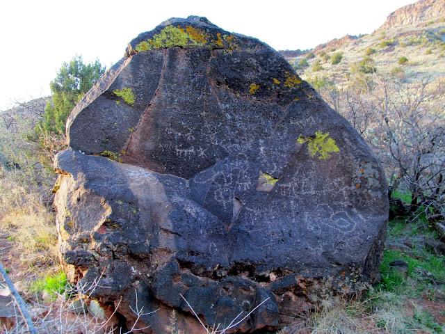 Bell Trail petroglyph boulder