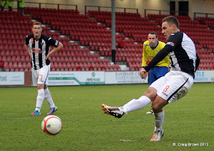 Photo: Dunfermline Athletic v Morton Irn Bru First Division East End Park 20 October 2012Stephen Husband scores from the spot(c) Craig Brown | StockPix.eu