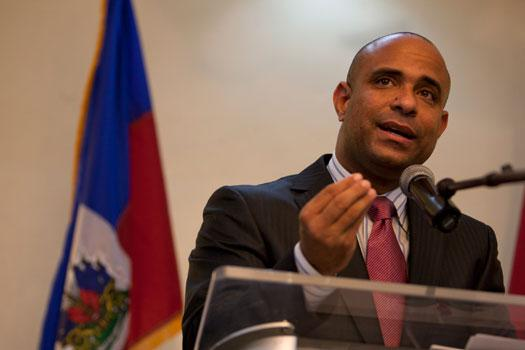 Laurent Salvador Lamothe ex-Premier ministre haïtien / Parlement / 13 Juillet 2017 – Added COMMENTARY By Haitian-Truth