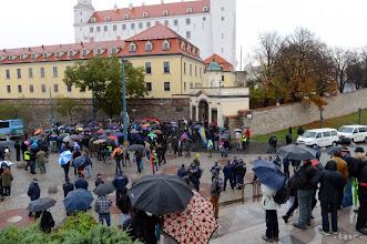Photo: 9.11.2013. Začalo to výzvou na obsadenie Bratislavského hradu a blokádu Národnej rady SR. Národná rada bola počas víkendu prázdna a múzeum na hrade zatvorené.