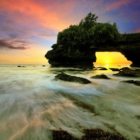 Tanah Lot, Bali by Alit  Apriyana - Travel Locations Landmarks