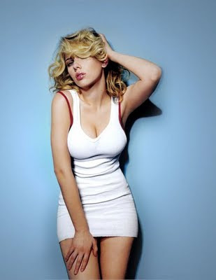 Scarlett Johansson in sexy white dress, Scarlett Johansson hot