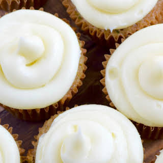The BEST Cream Cheese Frosting.