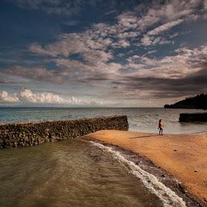 Beach Walking 1600.jpg
