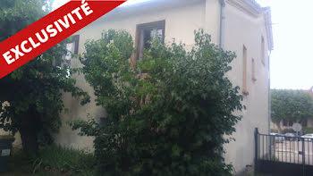 maison à Vesseaux (07)