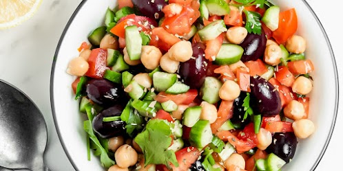 Delicious and Easy Greek Chickpea Salad Recipe
