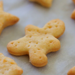 Baked Cheese crackers