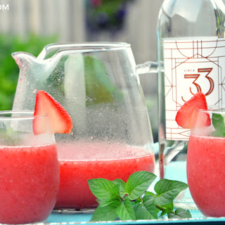 Frosé - Frozen Rosé Wine Recipe