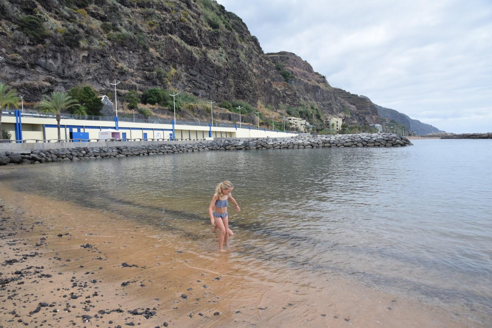 "(<img alt=""Madeira Beaches"">)"