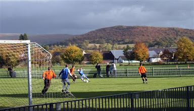 Photo: 25/10/09 v Llandrindod Wells (Rad Cup 2) 2-0 - contributed by Mike Latham