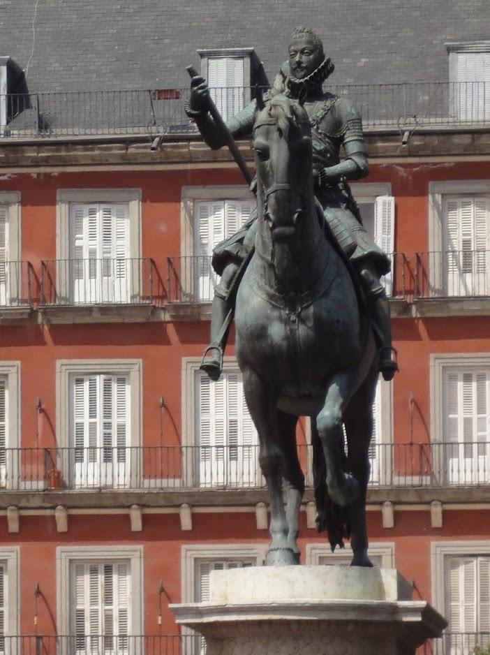 Statue équestre de Philippe III sur la Place Mayor à Madrid