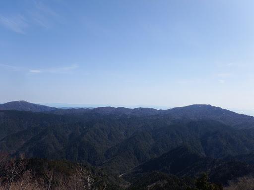 釈迦ヶ岳(右)から竜ヶ岳(左)の稜線