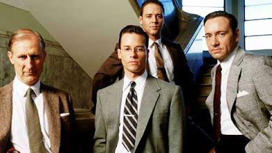 """Photo: Foto promocional com o elenco central de """"Los Angeles, Cidade Proibida"""": James Cromwell (esquerda), Guy Pierce, Russel Crowe (atrás) e Kevin Spacey."""