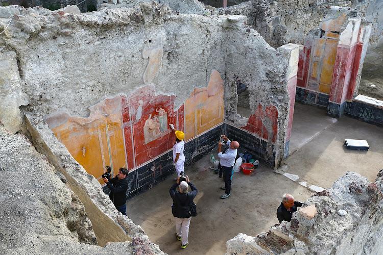 pompeii carbon dating