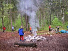 Photo: Das Feuer raucht