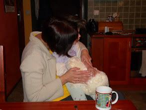 Photo: 09.03. 2011 roku - natomiast Ula cieszy się  z urodzinowego misia