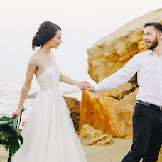 Wedding photographer Aleksandr Shmigel (wedsasha). Photo of 07.03.2018