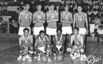 Photo: 1969: Selecção de Moçâmedes -  Equipa que ganhou o torneio em Março: Armando Cruz, Sena, Abreu, Helder, Nestor, Fragata, Custódio, Zéquinha Cruz (Actual Governador da Huíla) e Luis do Ó