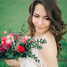 Wedding photographer Valeriya Mironova (LoreleiVeine). Photo of 01.07.2015