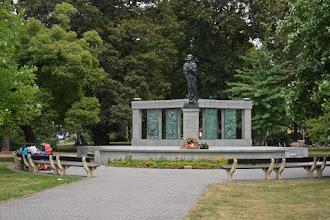 Photo: W parku Husa.