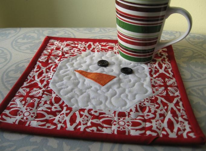 Reg and White Snowman Mug Rug
