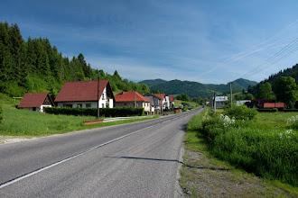 Photo: Jadąc w górę Orawy docieramy do wsi Parnica. Tutaj skręcamy na Zazrivą.