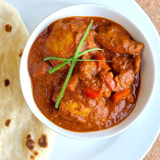 Easy One Pot Low Fat Tomato Chicken Curry.