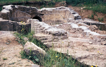 Photo: Masonry work of the Ars-basin