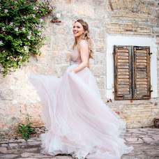 Wedding photographer Elena Nikolaeva (springfoto). Photo of 11.07.2018