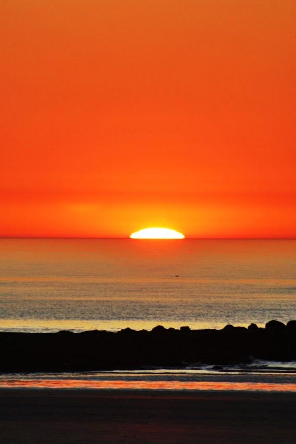 Goodbye Sunset  by Yola Vandergunst - Landscapes Sunsets & Sunrises ( oostende beach, sunset )