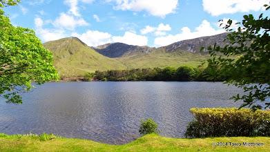 Photo: Näkymä järvelle Kylemoren luostarin rannalta.