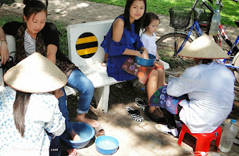 Photo: Vietnamese ladies provide pedicure for my wife. Their first offer 20 bhat but then at the end it turned out to be 100 bhat. Still this equals only about $3.50 They sterilise utensils with alcohol and swab toes with lemon.