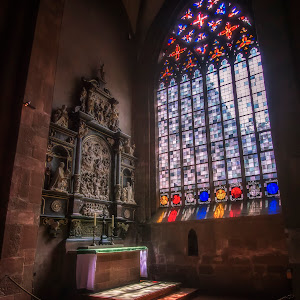Mainz Cathedral - Small Altar (1 of 1).JPG