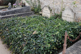 Photo: The grave of Vincent van Gogh and his brother