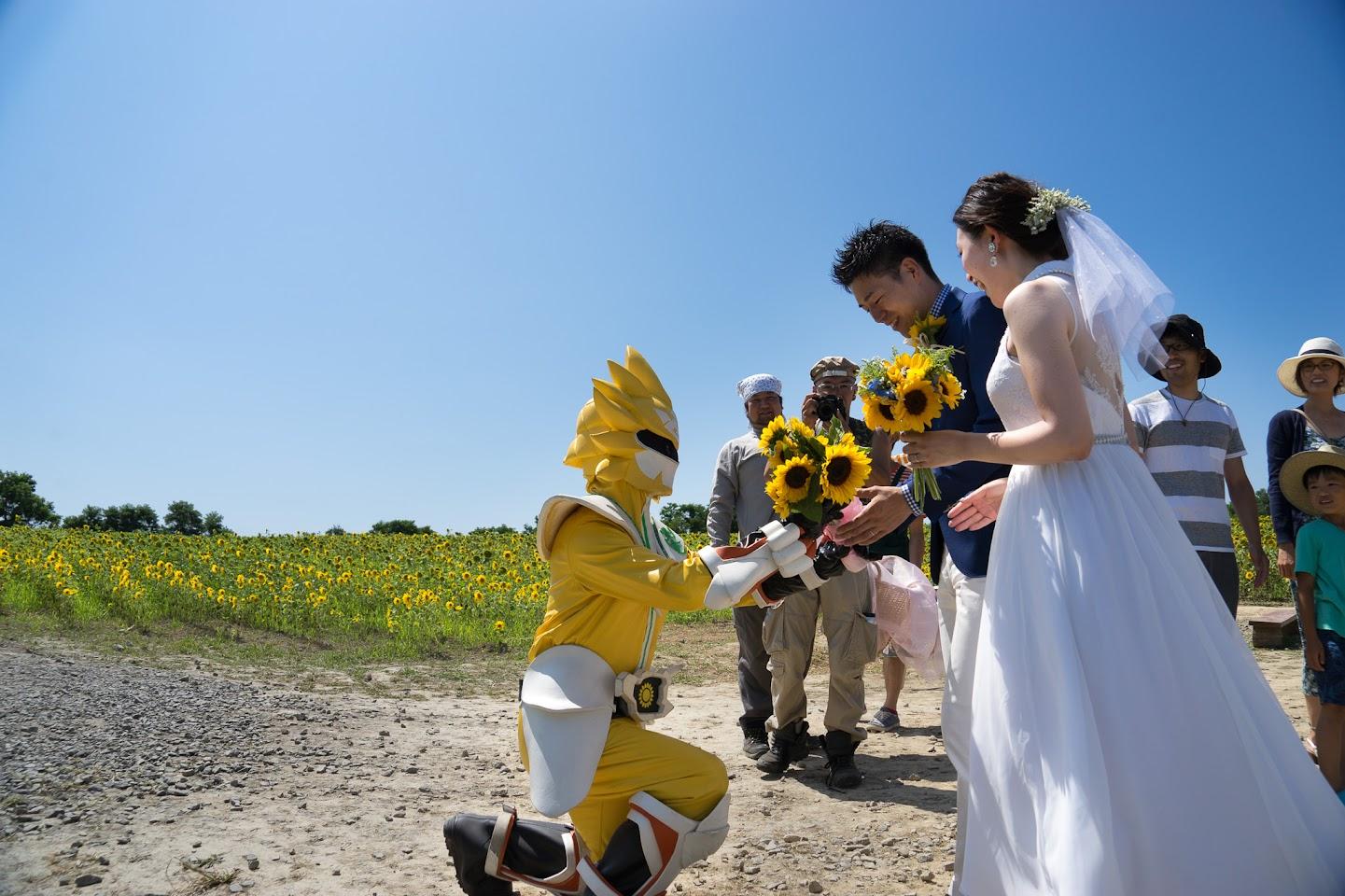 アグリファイターノースドラゴンから花束贈呈・ウエディングフォト