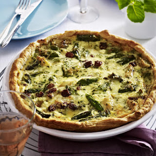 Asparagus Tart with Raisins and Mozzarella