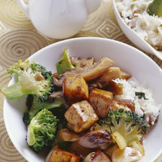 Soya Cubes with Mushrooms and Broccoli.