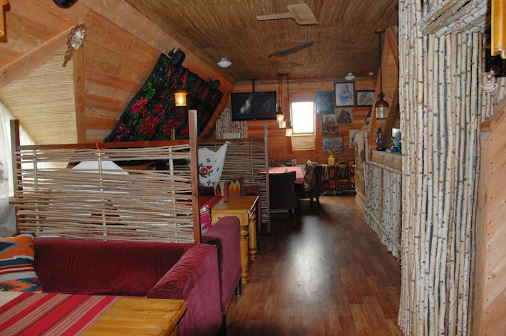 Фото №4 зала Кафе «ХАТА»
