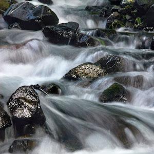 water hoodriverwaterfall2.jpg