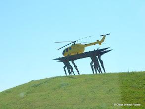 Photo: Der gelbe Engel am Kamener Kreuz (aus fahrendem PKW fotografiert)