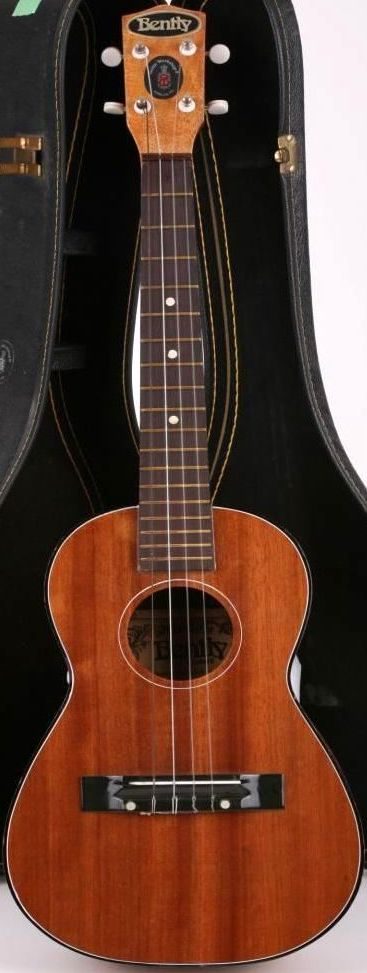bentley baritone ukulele