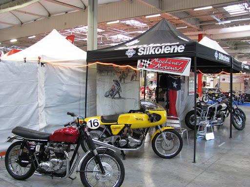 Le stand Machines et Moteurs au salon  Automédon - Motorama 2015.
