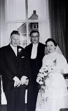 Photo: Jan Moek Hzn, dominee Van Wezep en Geertje Hulshof