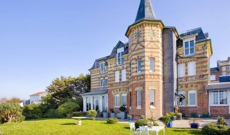Manor Deauville