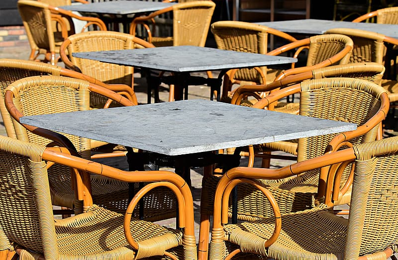https://p0.pikrepo.com/preview/777/283/black-wooden-table-with-chairs.jpg