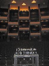 """Photo: ABSCHIED VON DER OPER KÖLN VOR DER RENOVIERUNG (Juni 2012). Der Zuschauerraum mit den """"Resten der Feier"""". Foto: Andrea Matzker/Egon Schlesinger"""