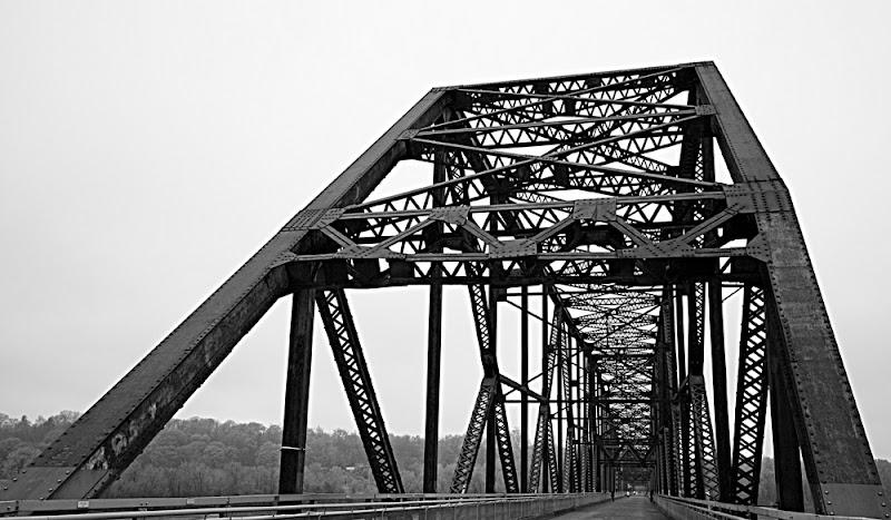 old chain bridge di kaira
