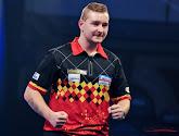 Vandaag halve finales in World Matchplay Darts: Dimitri Van den Bergh tegen ervaren Pool, topper tussen Wright en Van Gerwen